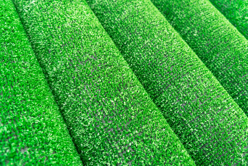 What thickness of artificial grass is best?
