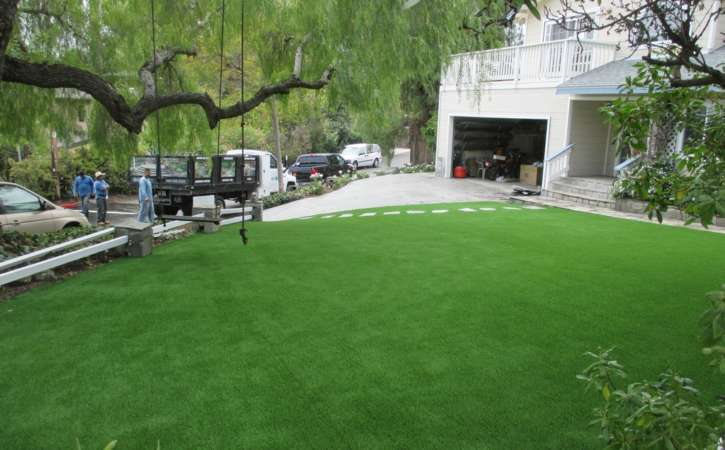 Artificial Turf Ideas for San Diego Homes 4