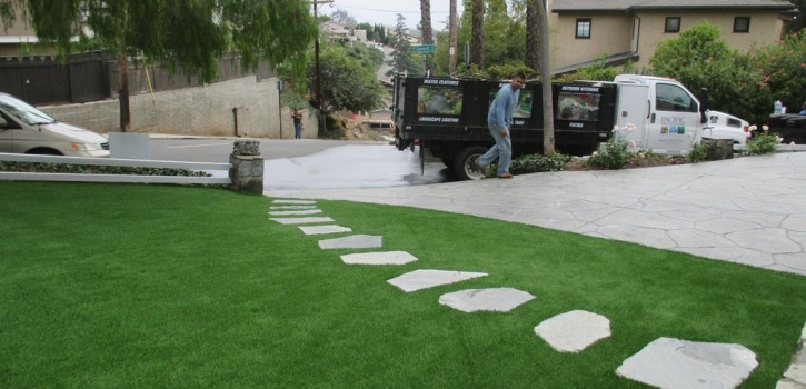 Artificial Turf Ideas for San Diego Homes 6