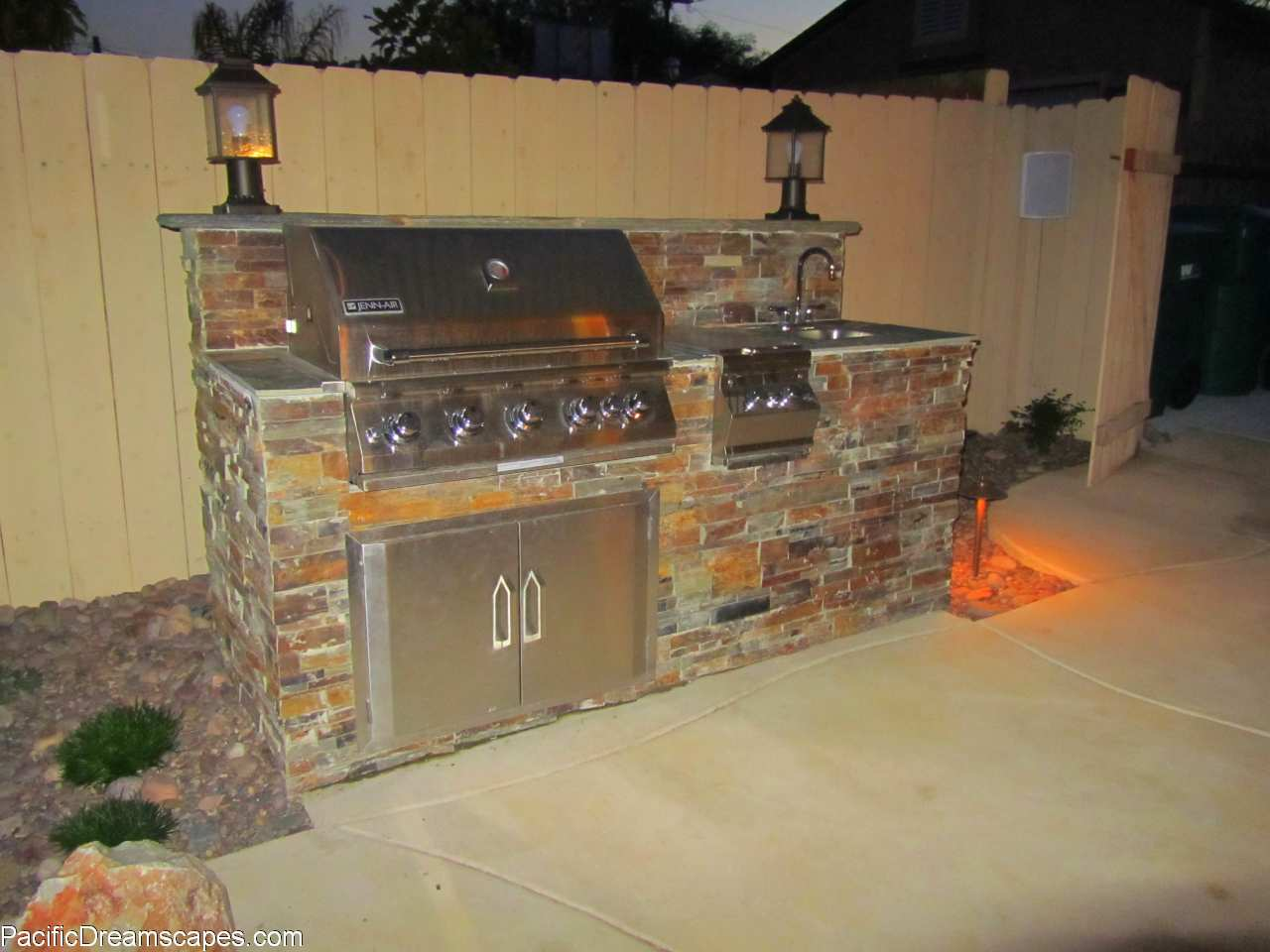 Outdoor BBQ Island Designs 4748