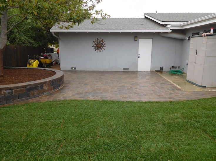 HARDSCAPES PAVERS BACH 4