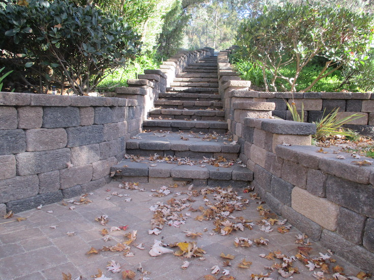 HARDSCAPES STEPS DAM 4