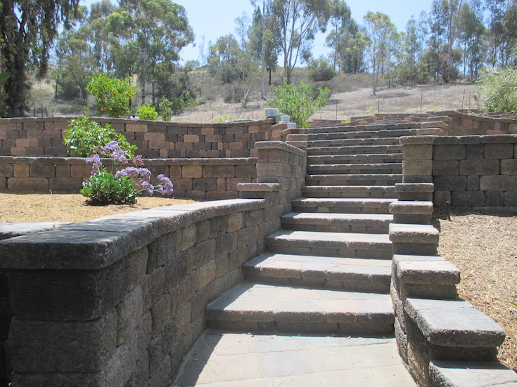 HARDSCAPES STEPS DAM 11