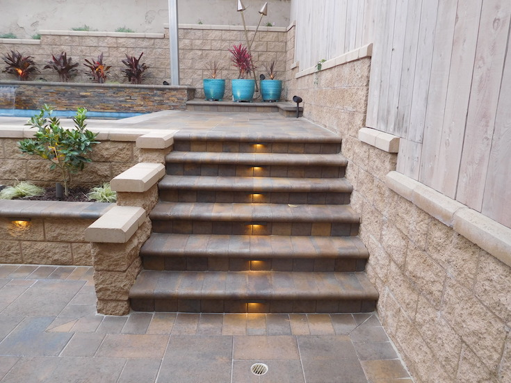 HARDSCAPES STEPS ROWLING 3