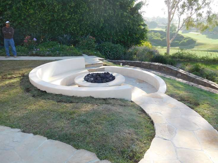 OUTDOOR LIVING FIRE PITS HENDLER 1